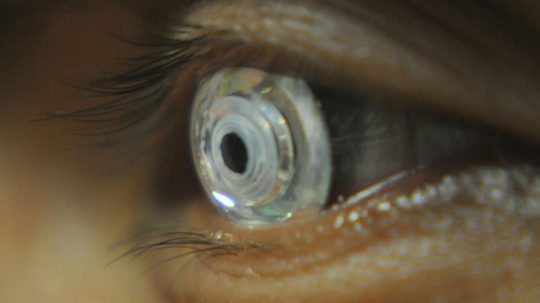 Permalink to Scientists Develop Robotic Lens That Can Zoom In When You Blink Twice